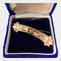 """Victorian Ornate Taille d'Epargne Pin, 2-3/8"""""""