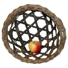 Small 19th C. Coarse Weave New England Cheese Basket