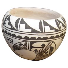 Small Hopi Walpi Pueblo Pottery Pot, Signed S. Nash, Stylized Birds