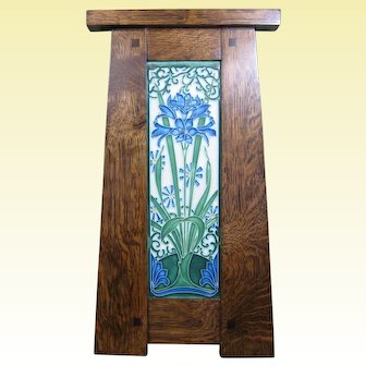 Motawi Tile, Amaryllis (China Blue) in Craftsman Oak Frame