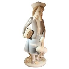 "Lladro figurine: ""Autumn"""