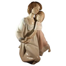 Lladro Mother and Child figurine