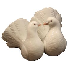 Vintage Porcelain Pair of Doves by Lladro