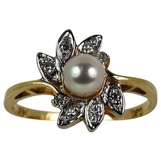 Lady 14k Yellow Pearl/Diamond Ring Vintage
