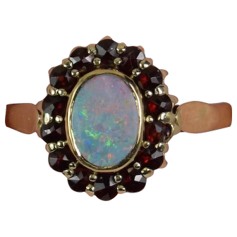 Lady 14k Yellow Gold Halo Opal/Garnet ring, Pre-Owned