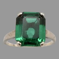 Vintage 10K Yellow GOLD Emerald Green GLASS Jewel Ring 3.1 Grams Size 7 1/2