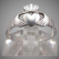 Vintage 1992 STERLING Silver Irish CLADDAGH RING 1.9g Size 8 Love Loyalty Friend