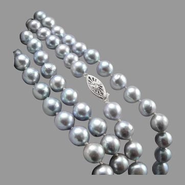 """Vintage Blue 8mm Cultured PEARL Hand Knotted 25"""" Necklace 14K White Gold Catch"""