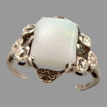 c1930's Vintage 10K Gold Hand Wrought White Opal Cabochon Ring 3g Size6.5 Floral
