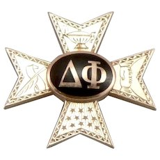 Vintage 10K Yellow GOLD DELTA PHI Fraternity Pin Badge Engraved Enamel 3.5 Grams