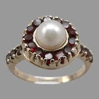 Vintage 14K Yellow GOLD 6mm Cultured Pearl Natural GARNET Halo RING 3.6g Size 5