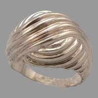 Vintage 10K Yellow GOLD Ribbed Wave Dome RING 6.4 Grams Size 4.75 Pinky Estate