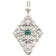 Vintage Art Deco 14K White Gold Filigree Pendant on Chain Necklace Emerald Green Glass Jewel