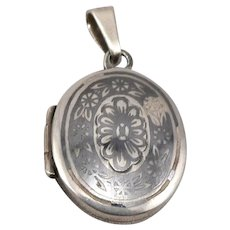 Vintage Russian STERLING Silver Niello Small Oval LOCKET Soviet Russia 5.2 Grams