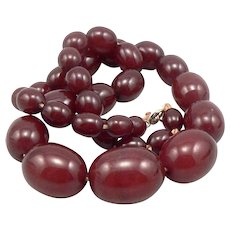 "Vintage Cherry Amber Bakelite Olive Bead Graduated Beaded 16.5"" NECKLACE 36.6g"