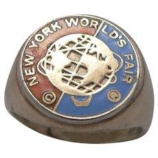 Vintage 1964 New York City WORLD'S FAIR RING Goldtone Enamel Souvenir NYC NY