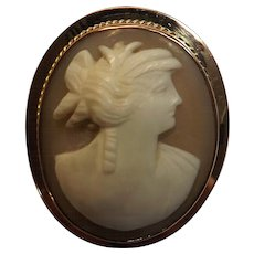 Cameo Brooch Set In 9 Carat Gold - Victorian / Edwardian