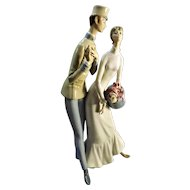 "Lladro Large Couple Figurine  ""THE FLIRT""  010014564"