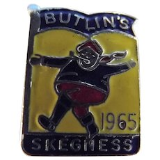 Vintage BUTLINS Holiday Camp Badge Skegness 1965