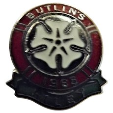 Vintage BUTLINS Holiday Camp Badge Filey 1965