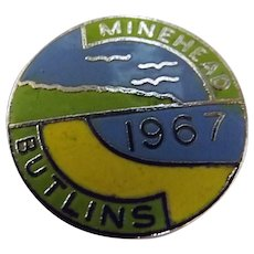 Vintage BUTLINS Holiday Camp Badge Minehead 1967