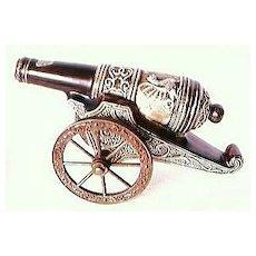 Italian DRIOLI Cherry Brandy  CAPODIMONTE Cannon Decanter