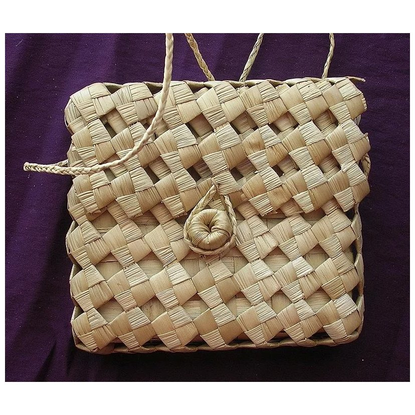 Gorgeous Small Woven Pacific Islands Flax Kete or Shoulder Bag