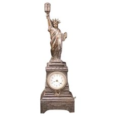 Vintage 20's Statue of Liberty Clock Table Lamp Cigar Lighter Sculpture Battery