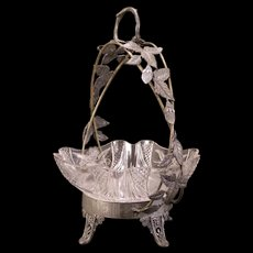 1800's Victorian Bride Basket Silver Relief Figure Glass Center Piece Fruit Bowl