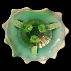 1900 Northwood Opalescent Vaseline Glass Bowl Grape Vine Carnival Candy Ribbon