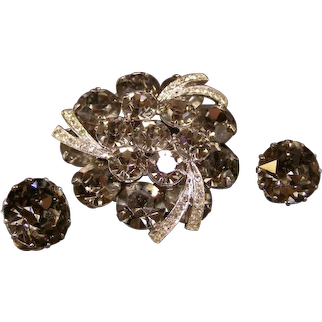 Vintage Flapper Weiss Rhinestone Black Diamond Smoky Pin Brooch Earrings Parure