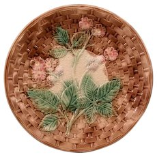 19 c Victorian Majolica Pottery Blackberry Basketweave Dinner Plate Charger