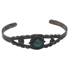 Vintage Native American Bell Trading Post Sterling Silver Turquoise Stamped Arrow Cuff Bracelet