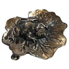 Small Vintage Joseff of Hollywood Silver Tone Frog Lily Pad Brooch
