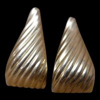 """14K Yellow Gold 1980's Huge Ribbed Triangle Earrings 13.9 Gr 2"""""""