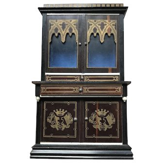 A fine and large size Waltershausen Bureau with decorative gold pattern.