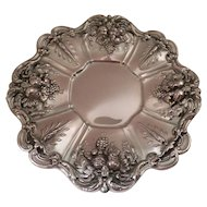 Round Sterling Silver tray by Reed & Barton Francis 1st tray x 569