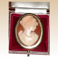 Exquisite Large Shell Cameo, 9 Karat Gold Mount