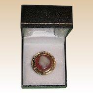 Victorian Hardstone Cameo in 15kt Gold Bezel Pin