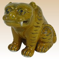 18/19th Century Chinese Porcelain Foo Lion Figure.