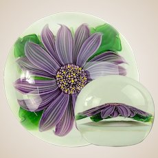 STEVEN LUNDBERG (American 1953 - 2008)  Amethyst Flower Paperweight, Signed and Dated 1983