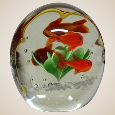 """Unusual Paperweight With An Interior """"Frame"""" For the Four Fish and Plant"""