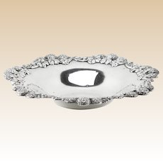 TIFFANY & CO. Sterling Silver Berry Bowl, ( 925 - 1000 Sterling )