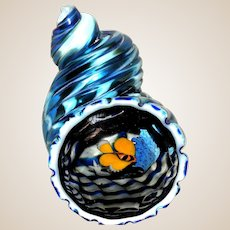 STEVEN LUNDBERG Glass Art Sculpture - Rare Signed Underwater Scene In A Conch Shell