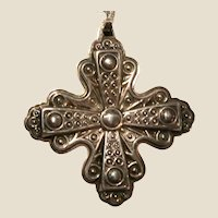 STERLING Silver Reed & Barton 1972 Christmas Cross Pendant With Sterling Silver Necklace