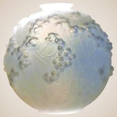 RENE LALIQUE -  R. Lalique Opalescent Druide Vase - France - Circa 1924 - Signed, Beautiful  Mistletoe