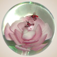 Very Large and Lovely Art Glass Paperweight With Flower With Shades Of Pink And Two Stylized Bees