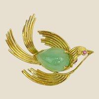 Vintage 14 Karat Yellow Gold and Jade Bird Brooch