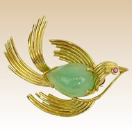 Vintage 14 Karat Yellow Gold and Jade Bird Brooch