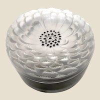 LALIQUE  (France) - Exquisite  Clear and Frosted Larger Size Dahlia Lidded Powder Box (Boite)